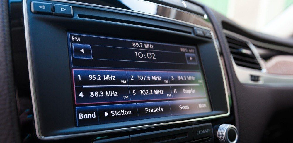 6 Compelling Reasons Why You Need a New Head Unit 6